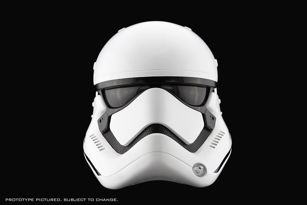 star-wars-the-force-awakens-stormtrooper-helmet-02