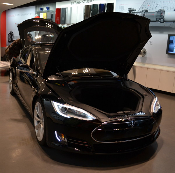 Tesla Model S: All the New Bits