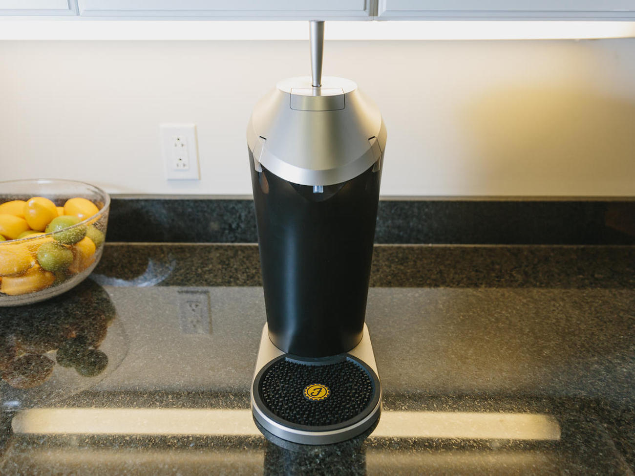 The Fizzics Beer System – Fresh, Draft Taste From Any Store-Bought Beer