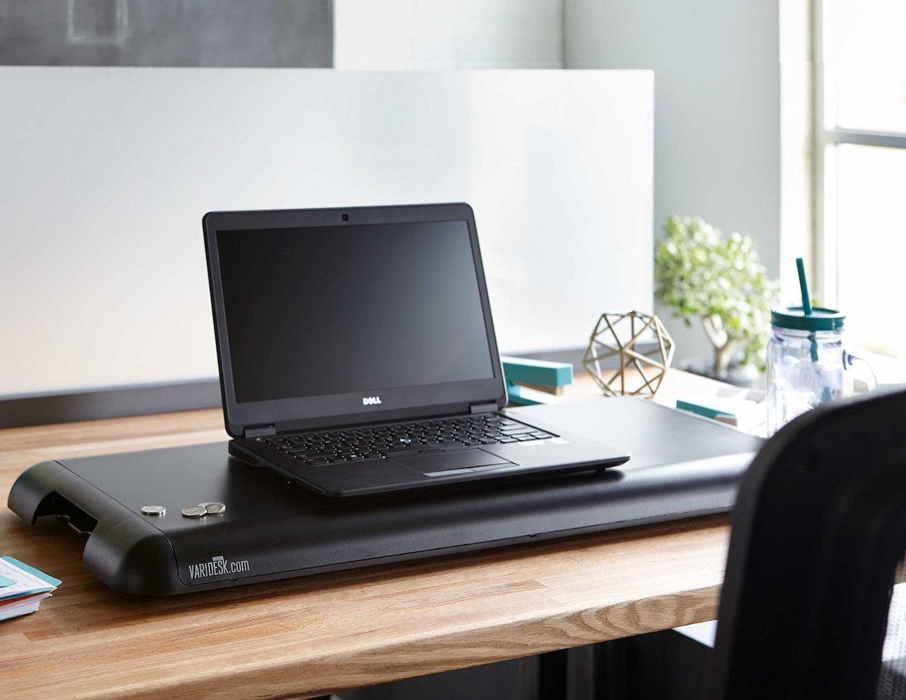 varidesk-soho-height-adjustable-standing-desk-02