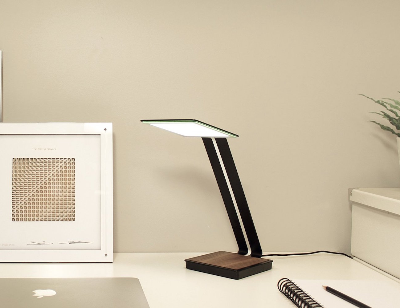 Aerelight A1 Oled Desk Lamp With Charger 187 Gadget Flow