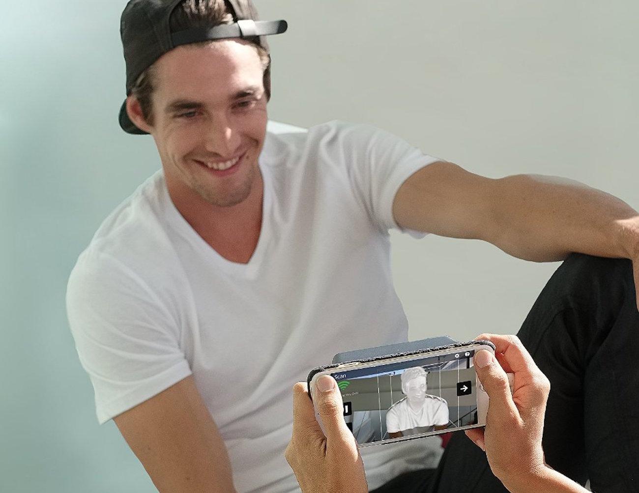 isense-3d-scanner-kit-for-iphone-03