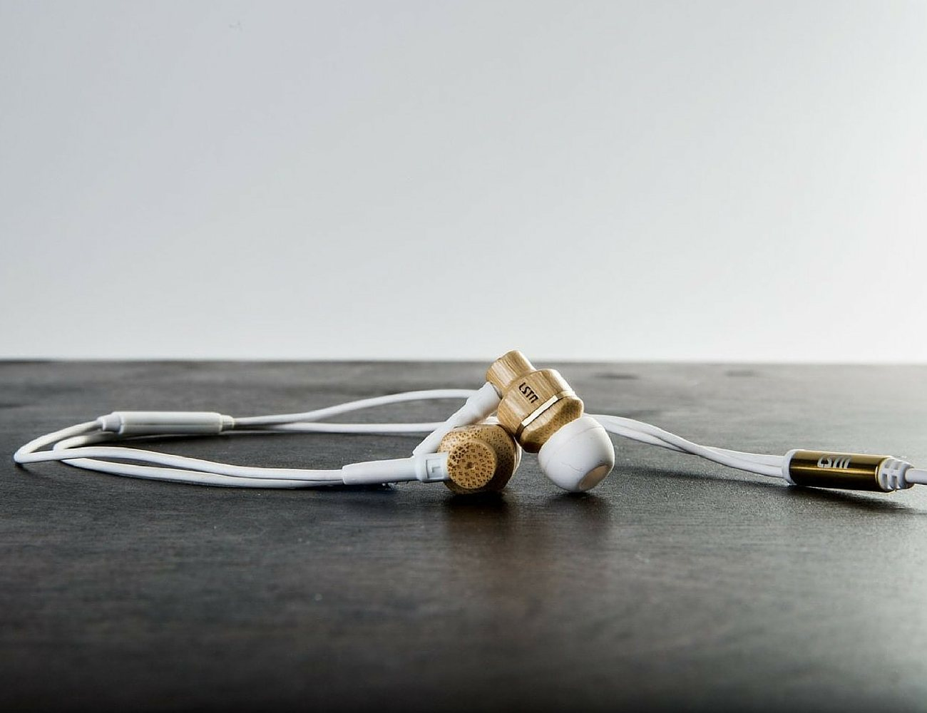 avalon-real-wood-earbuds-by-lstn-06