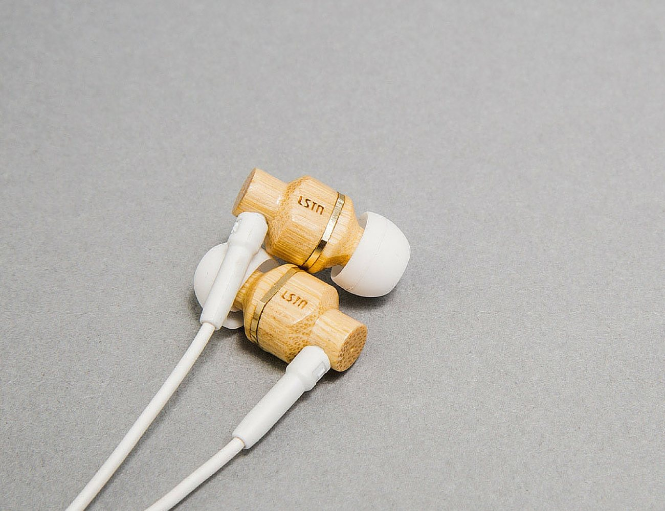 avalon-real-wood-earbuds-by-lstn-04