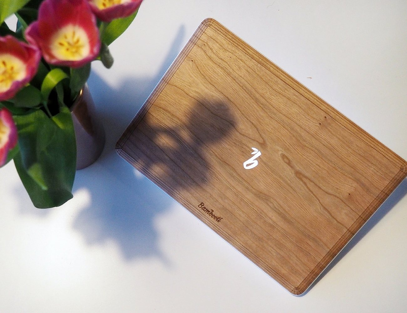 Bambooti+%E2%80%93+The+Wooden+Back+For+MacBook