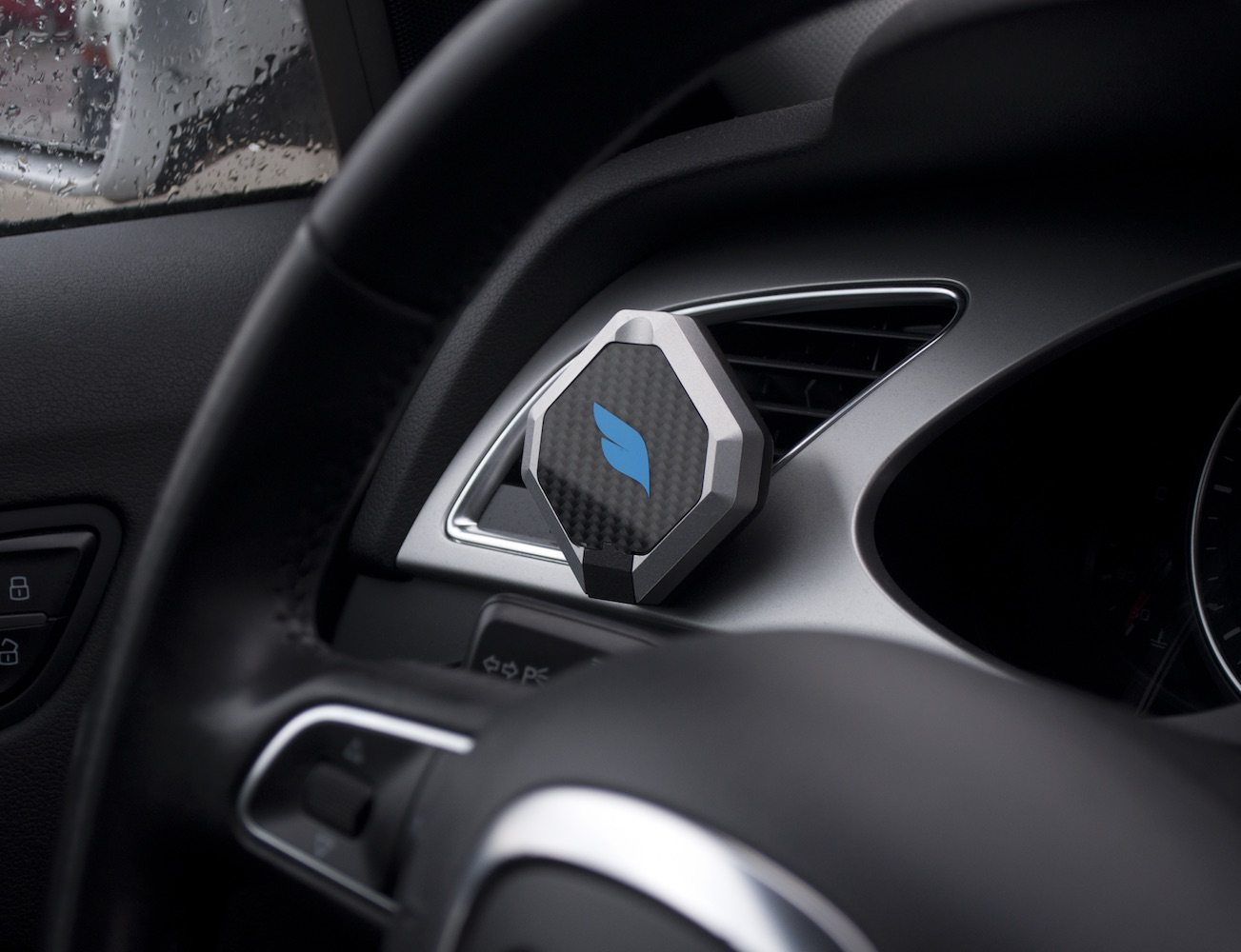 Bluejay+%26%238211%3B+The+World%26%238217%3Bs+First+Smart+Mount+For+Your+Car