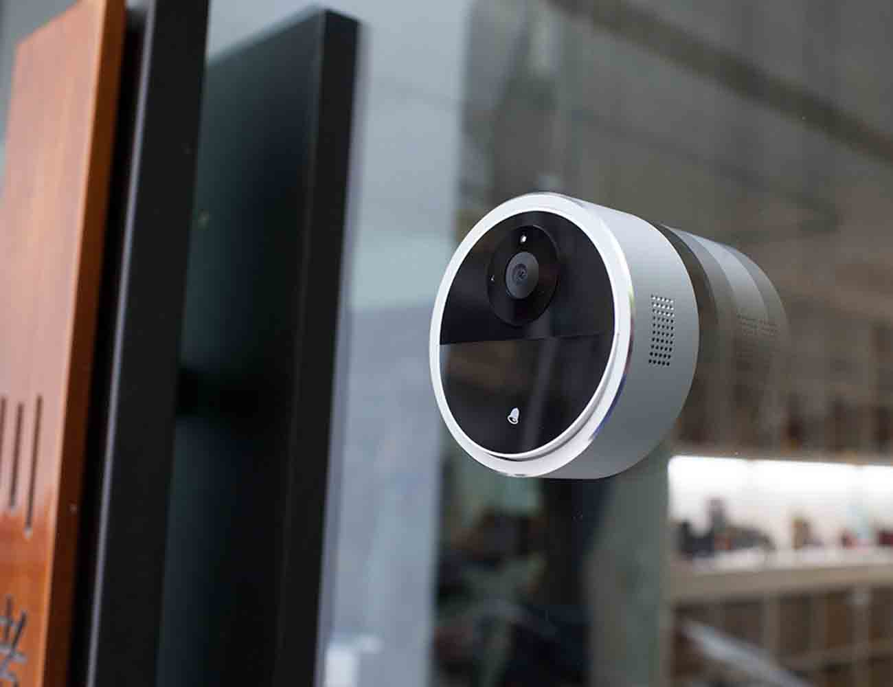 DefenDoor – A Home Security System That Syncs With Your Phone