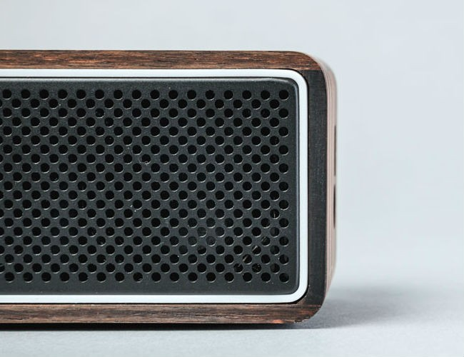 ebony-apollo-bluetooth-speaker-by-lstn-03