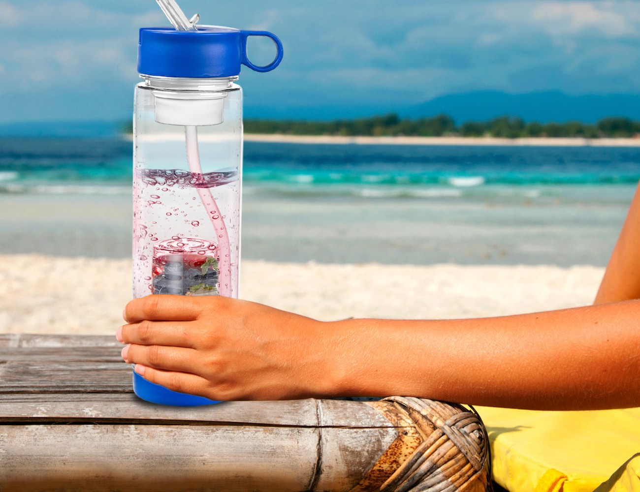 Innovative 2-in-1 Filter/Infuser Water Bottle