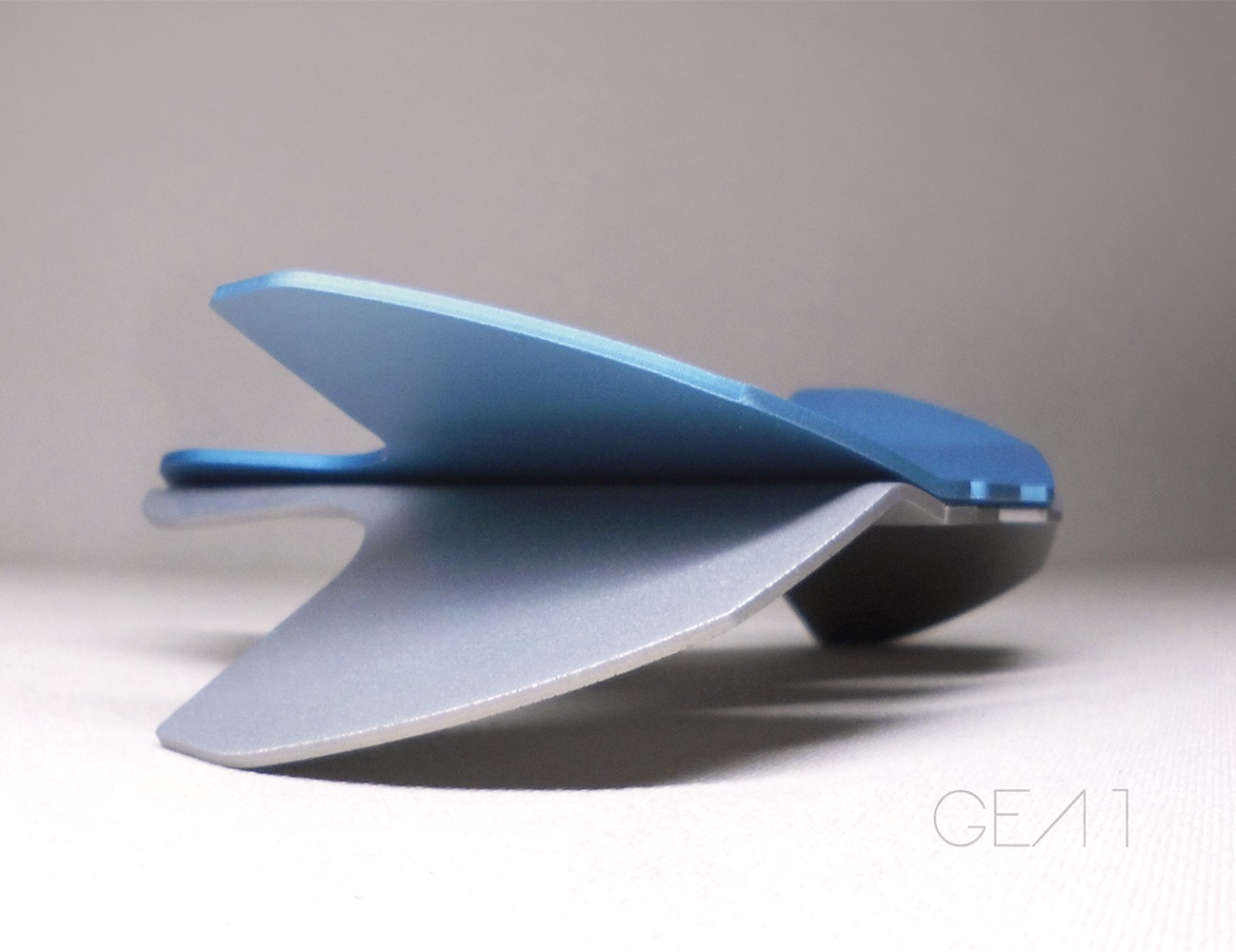 GEA 1 – Ship Minimalist Sculpture Inspired by Nature