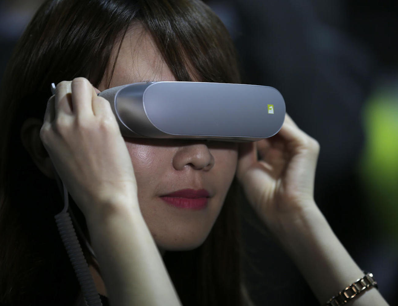 LG 360 VR – Mobile Virtual Reality Just Like Reading Glasses