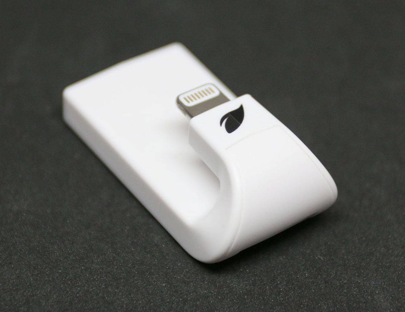 Leef iAccess MicroSD Card Reader with Lightning Connector