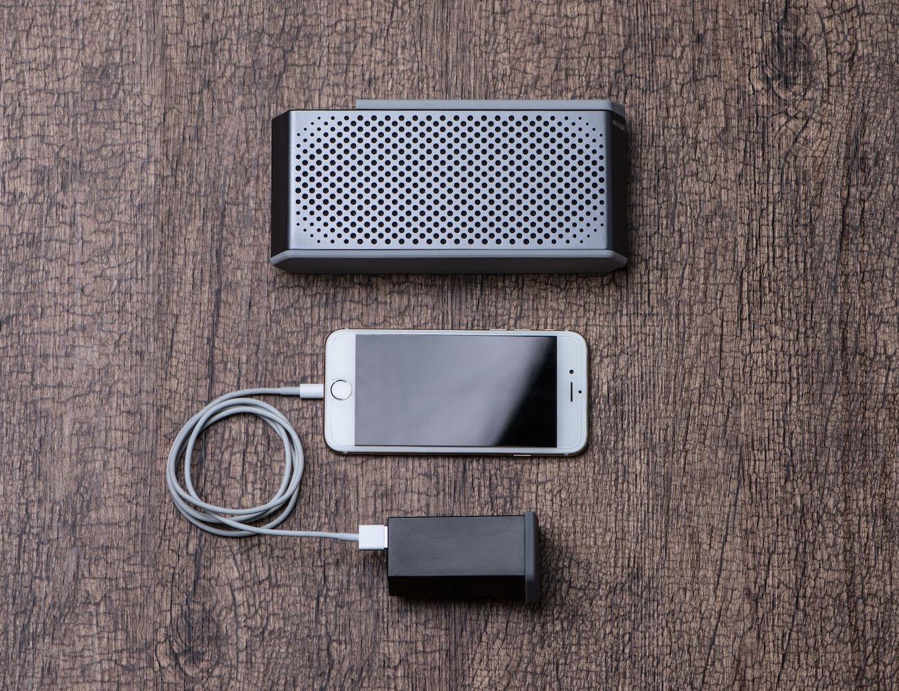 Soundjump Wireless Speaker W/Magnetic Power Bank
