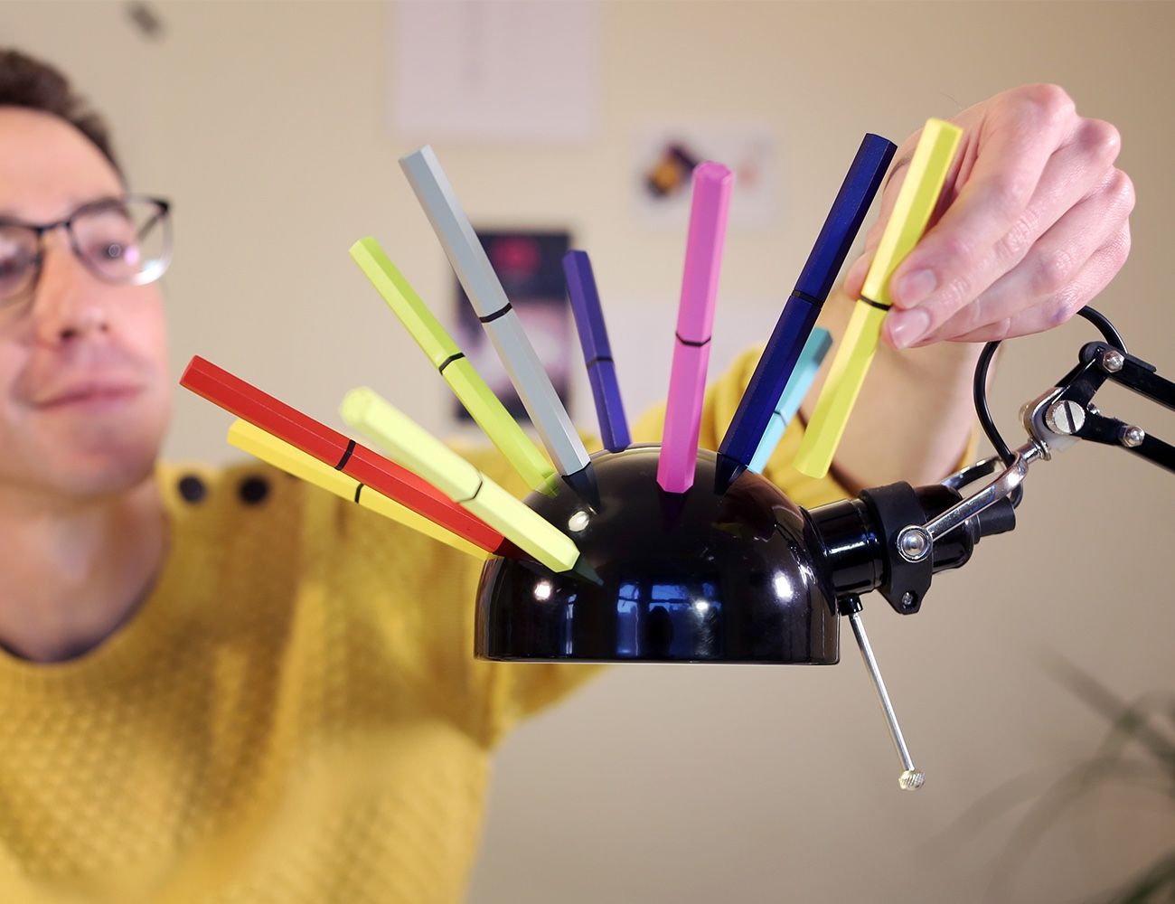 magnetips-incredible-magnetic-pens-05