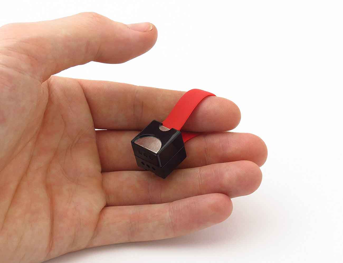 Nipper – The World's Smallest Phone Charger