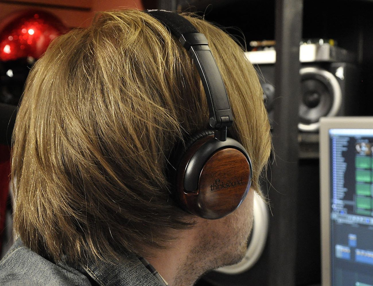 on1-by-thinksound-supra-aural-on-ear-monitor-wooden-headphone-02