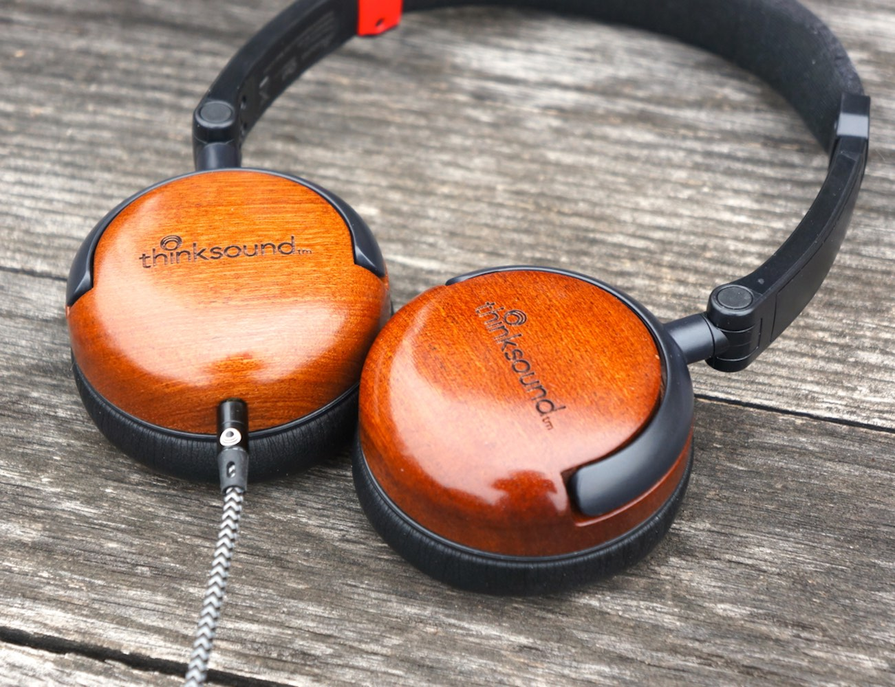 on1-by-thinksound-supra-aural-on-ear-monitor-wooden-headphone-04