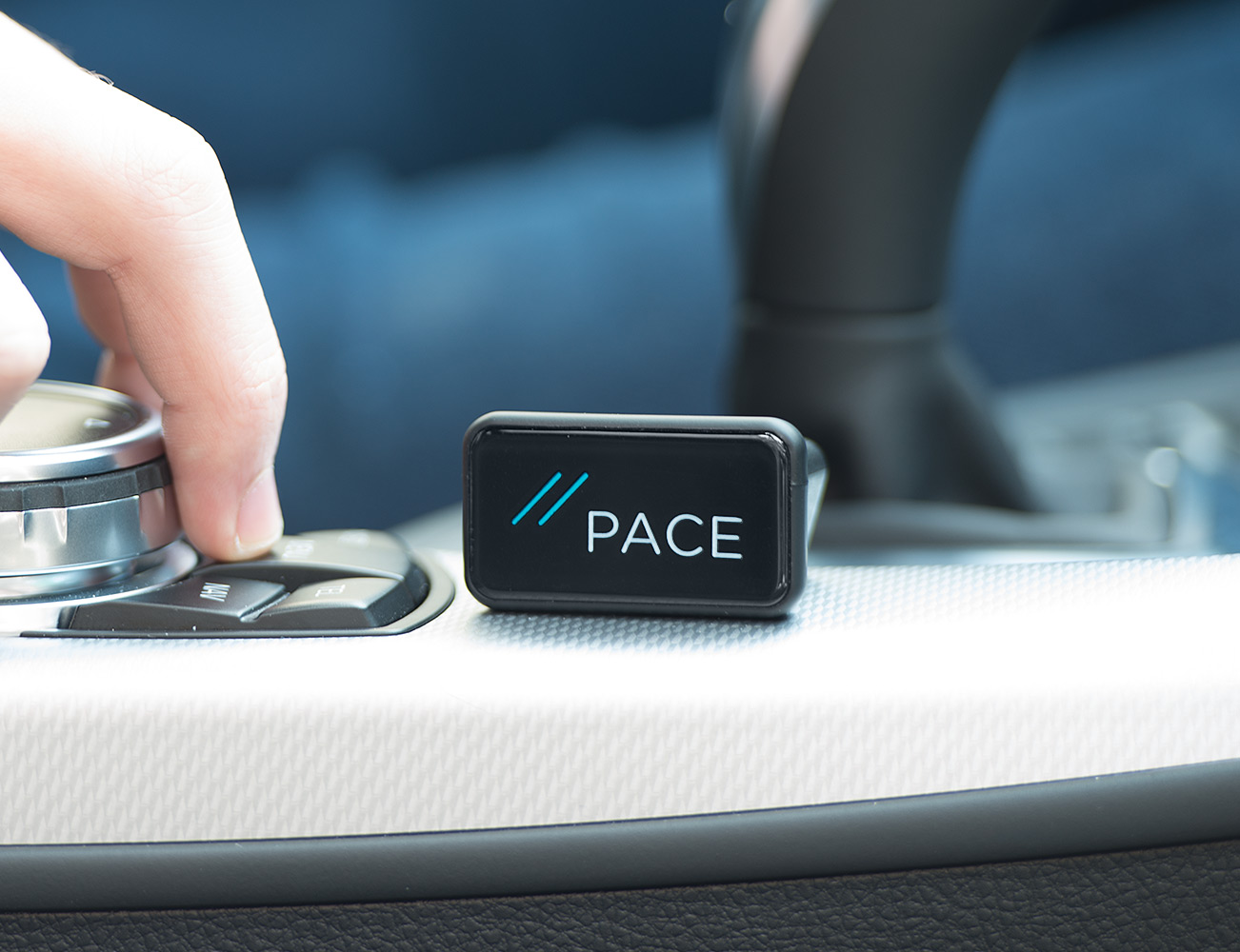 pace-link-turn-your-car-into-a-smartcar-02