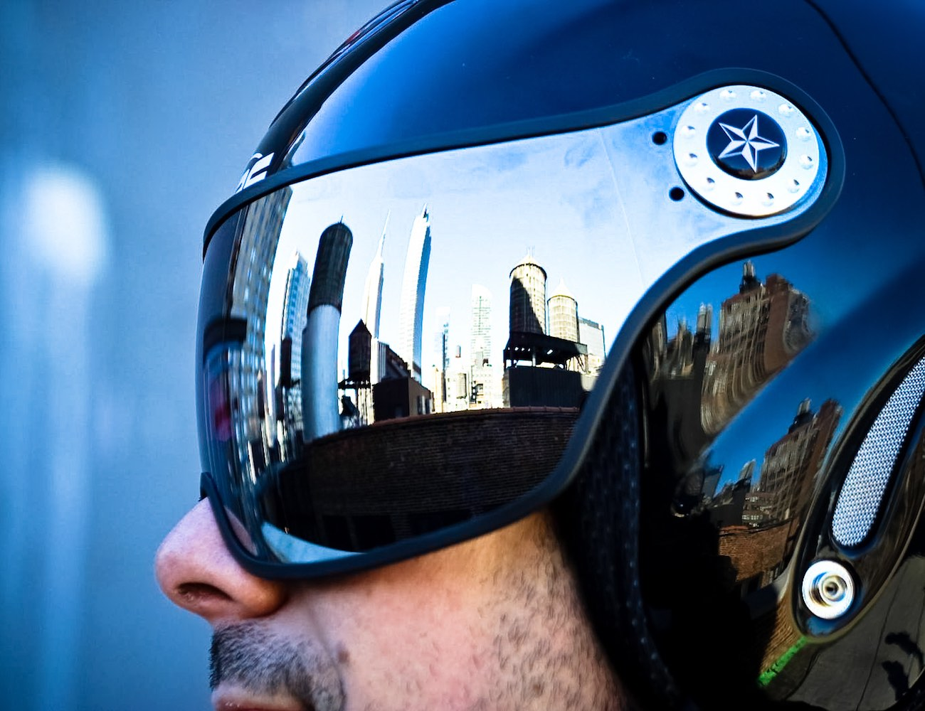 Majic Ski/Snowboard Helmet With an Integrated Visor by Osbe