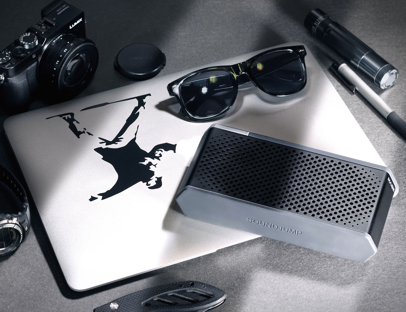 Soundjump Wireless Speaker W/Magnetic Power Bank