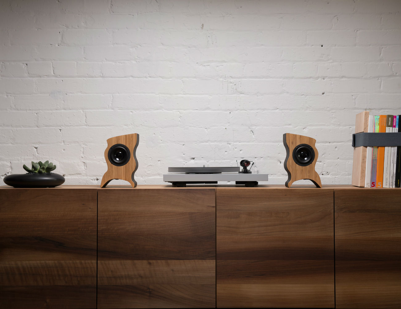 talisman-desktop-speakers-01