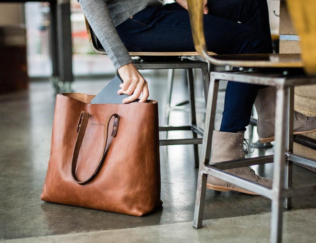 The Vintage Tote Bag 01