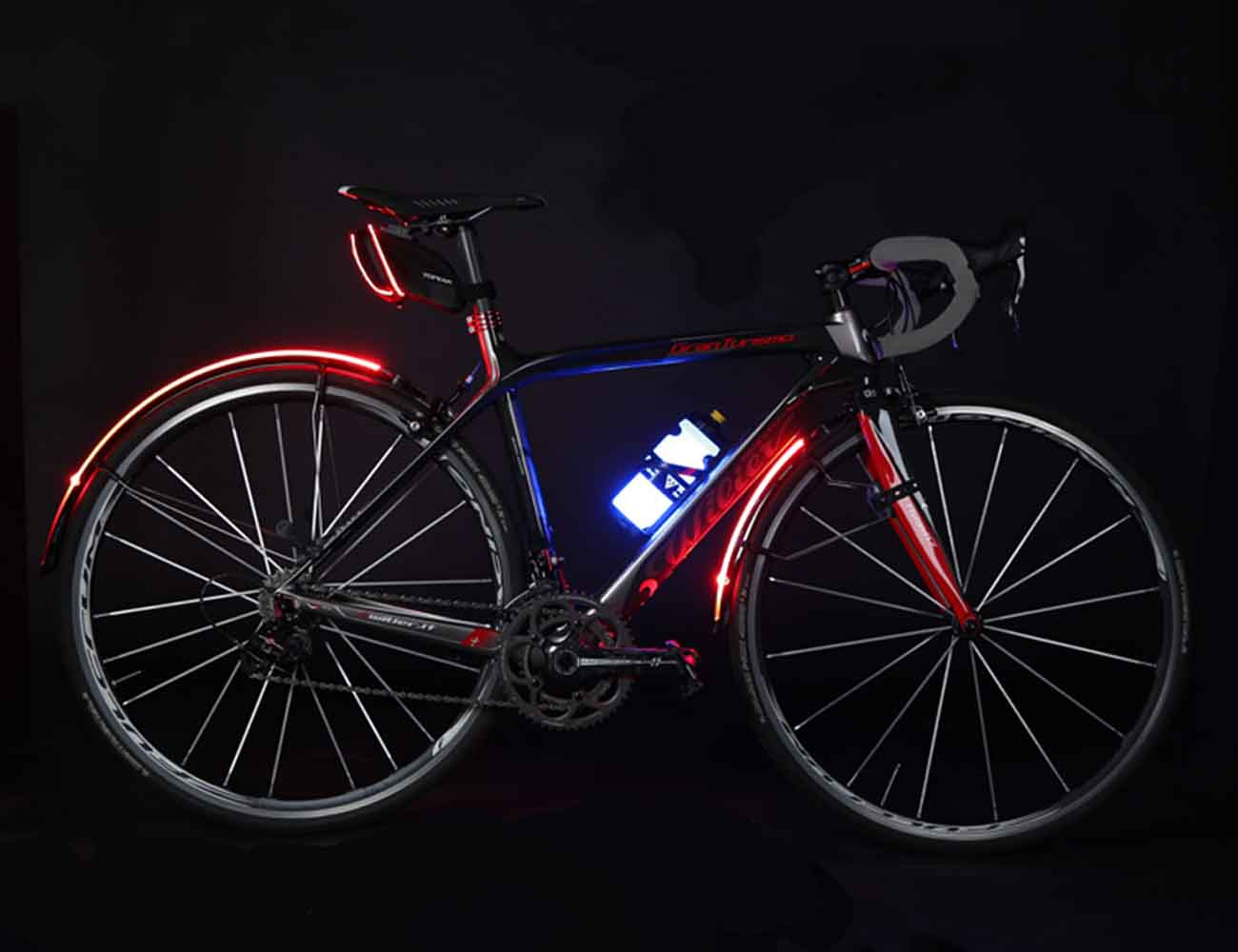 iGlowCageB – Water Bottle and Cage With LED Light by Topeak