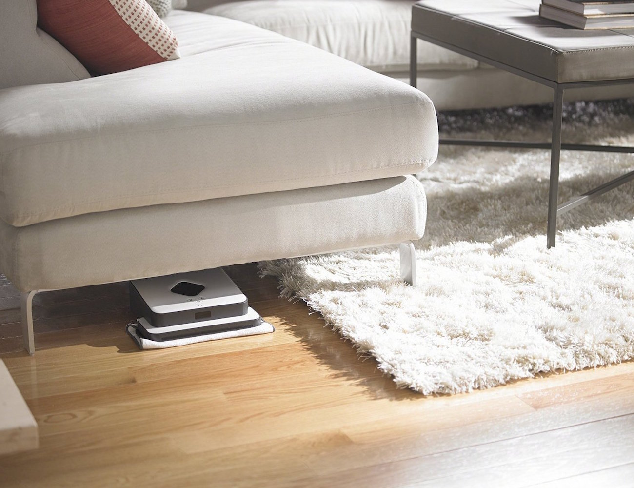 iRobot Braava 320 – Super Efficient Floor Mopping Robot