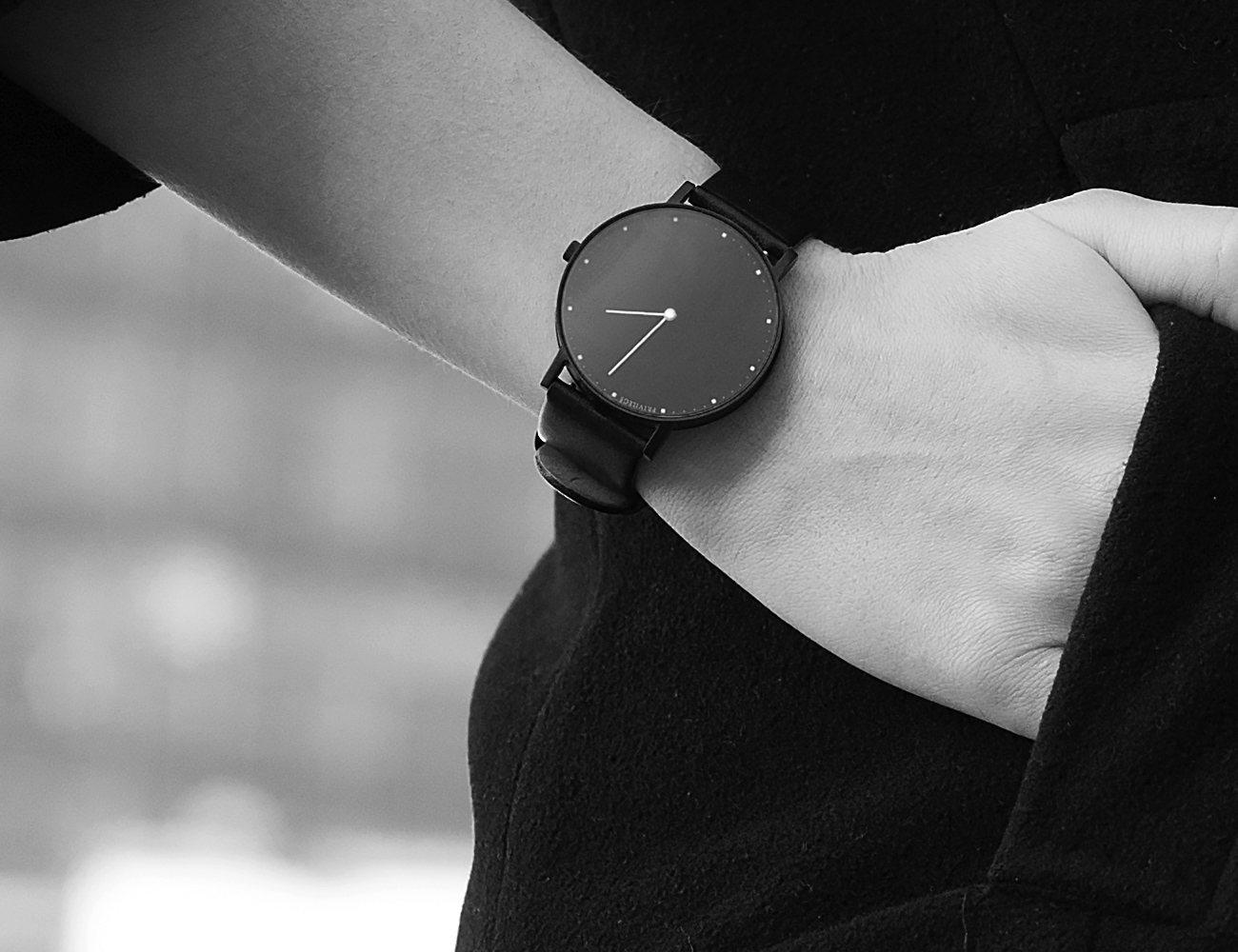 Privilege Minimalistic Timepiece