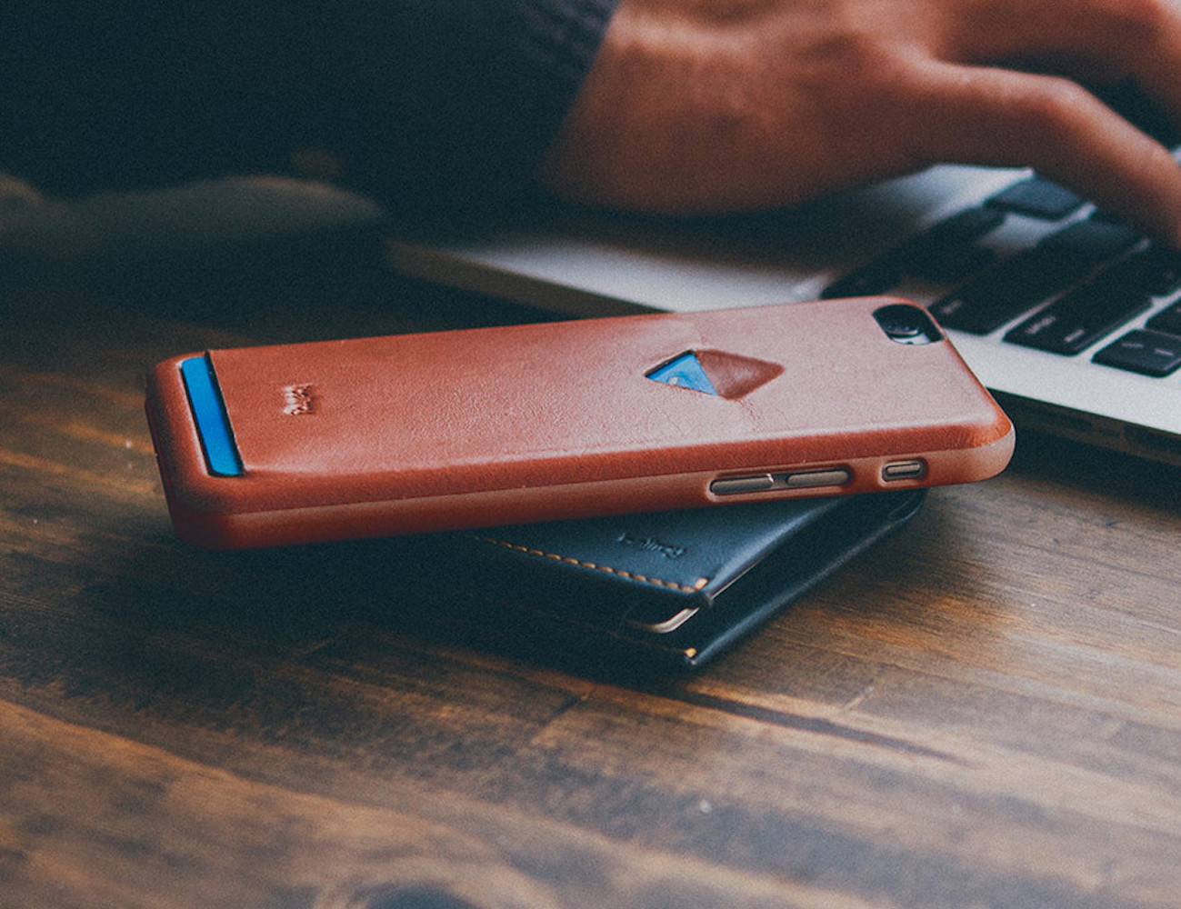 The+1+Card+Phone+Case+By+Bellroy