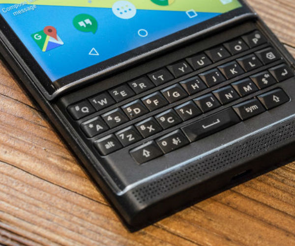 blackberry-priv-android-smartphone-03