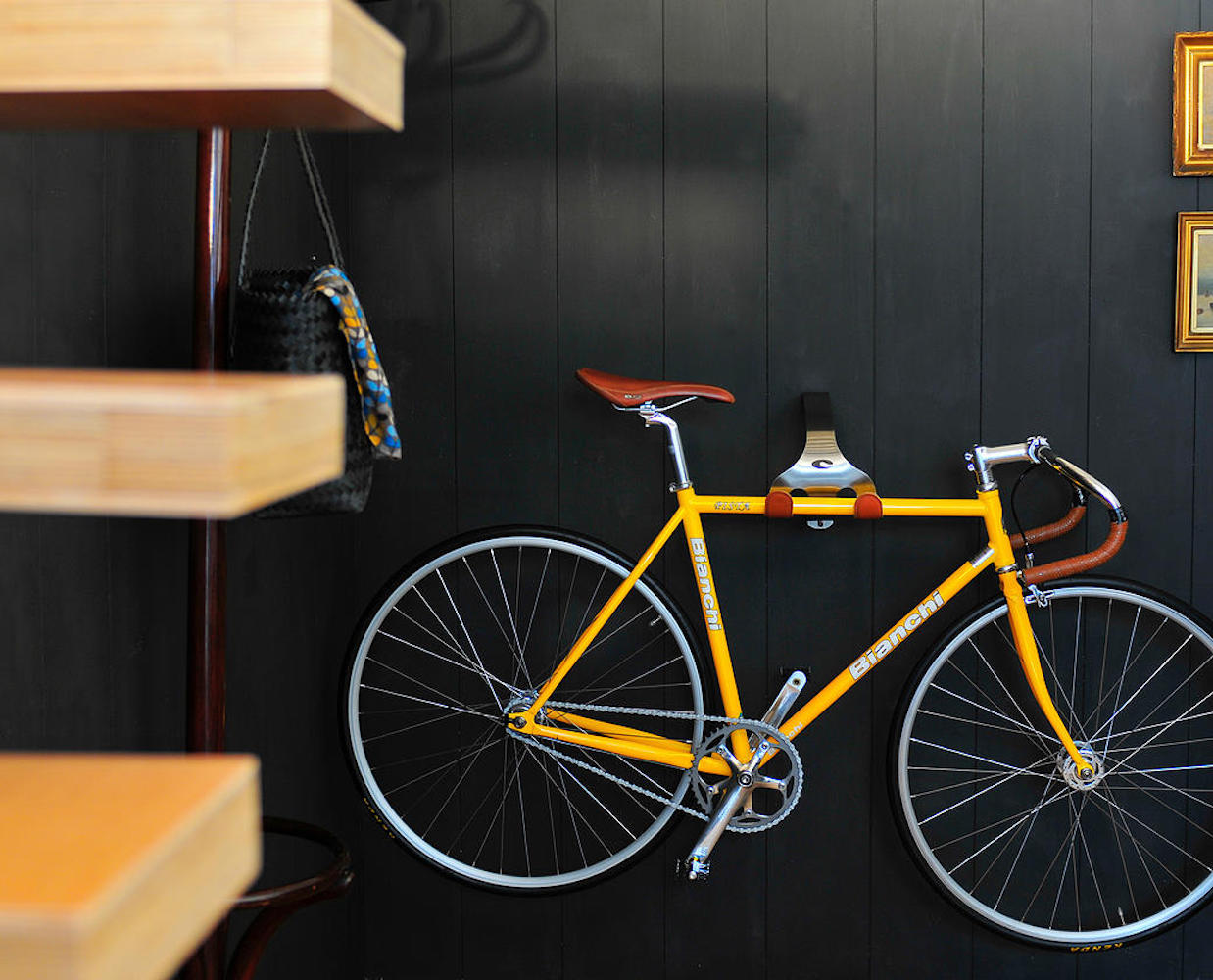 cactus-tongue-ssl-wall-mounted-bike-hanger-02