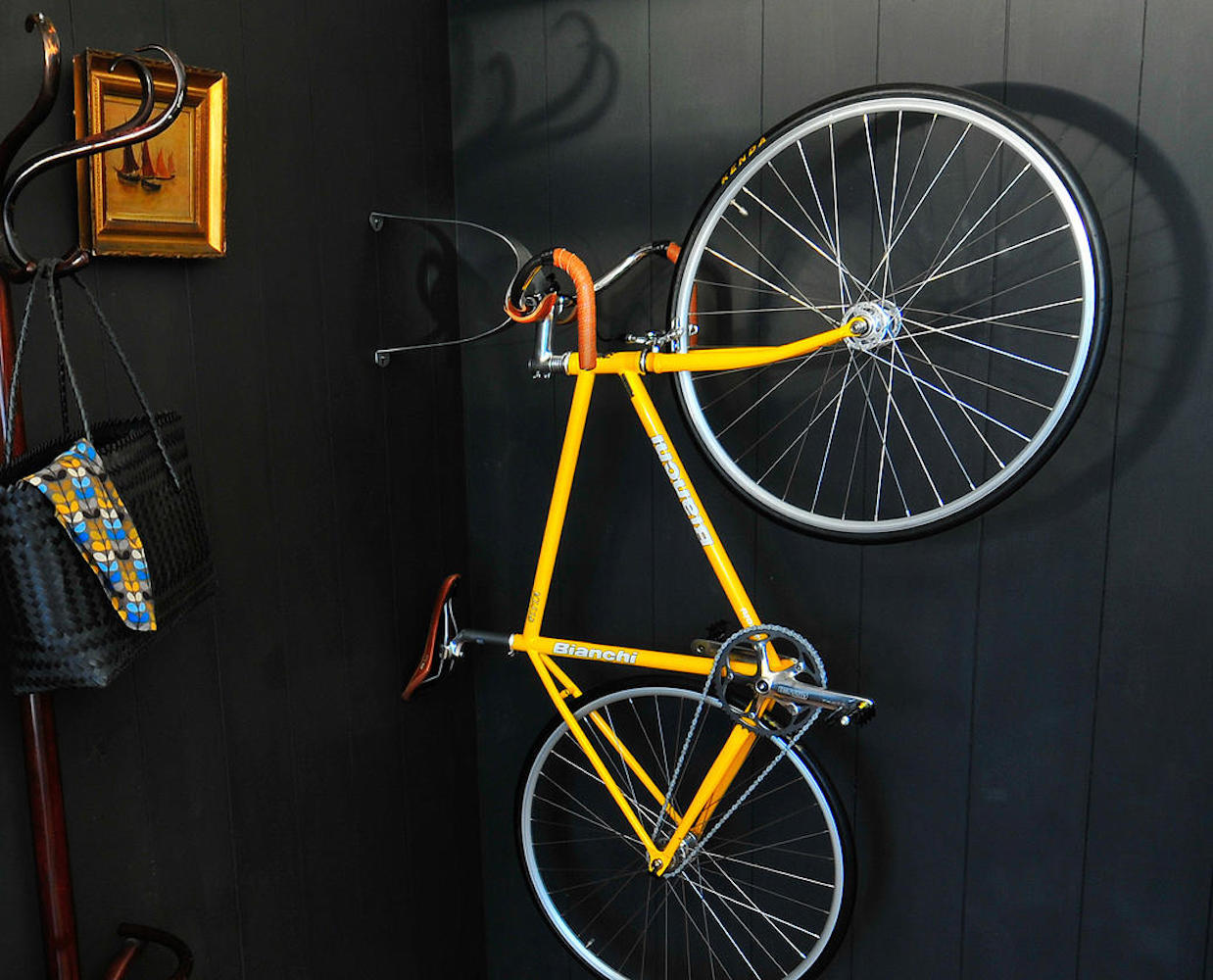 cactus-tongue-ssl-wall-mounted-bike-hanger-04