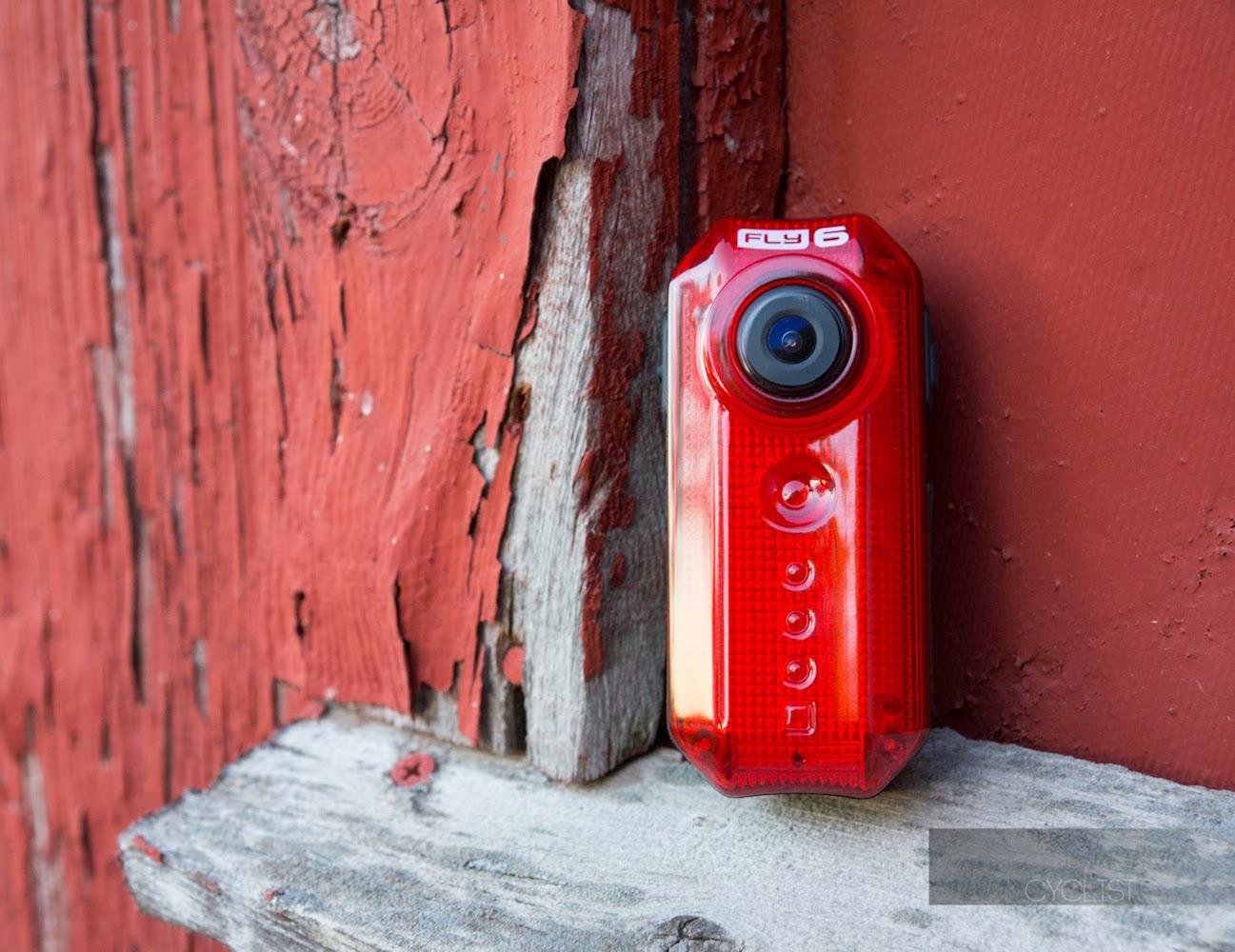 cycliq-fly-6-cycling-camera-and-rear-light-02