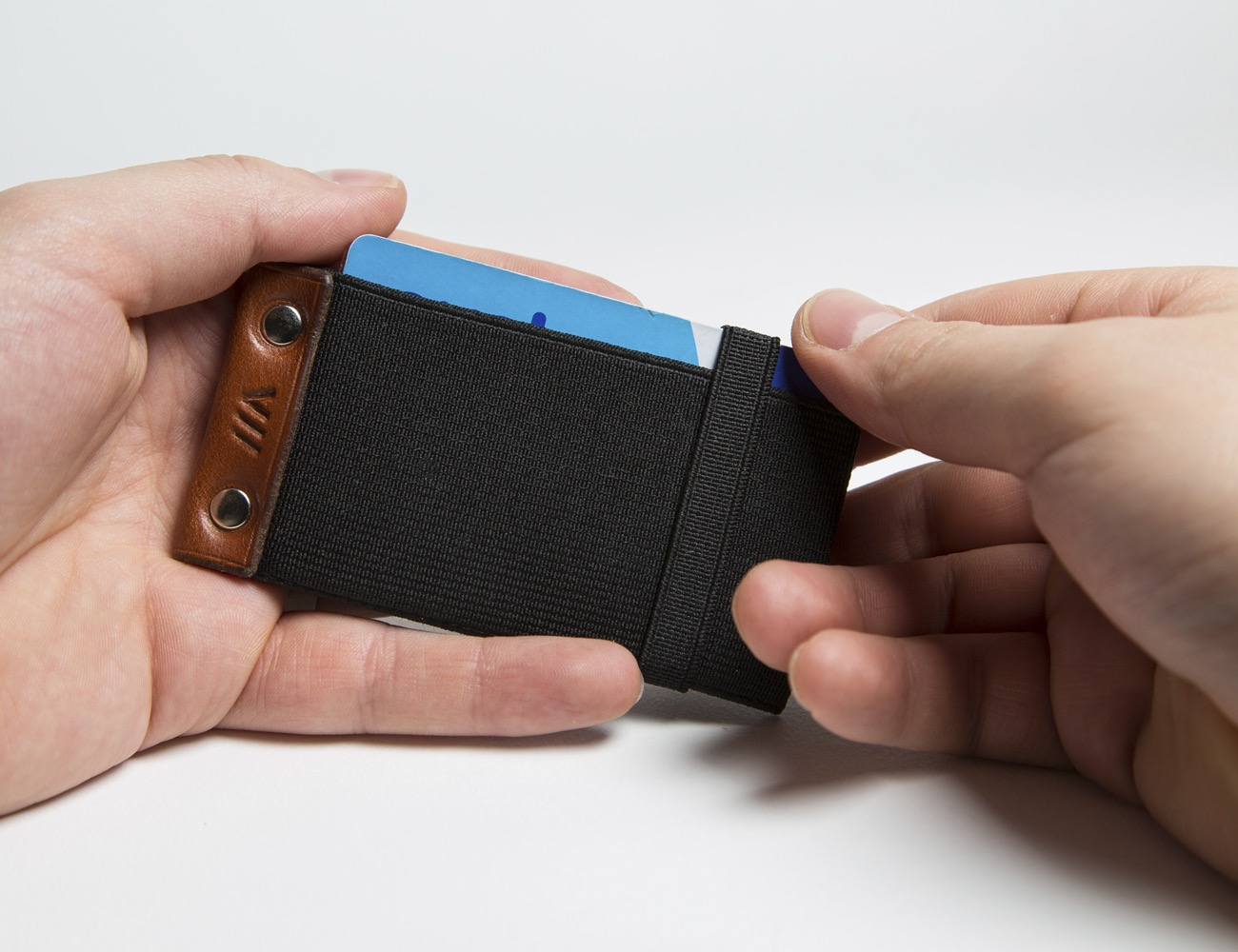 Flip 3.0 – The Ultimate Minimal Card Wallet