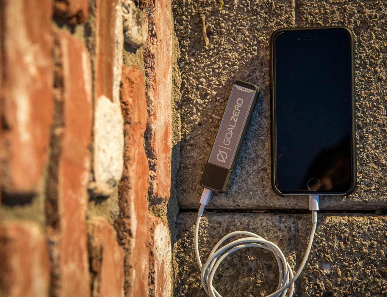 flip10-recharger-by-goal-zero-02
