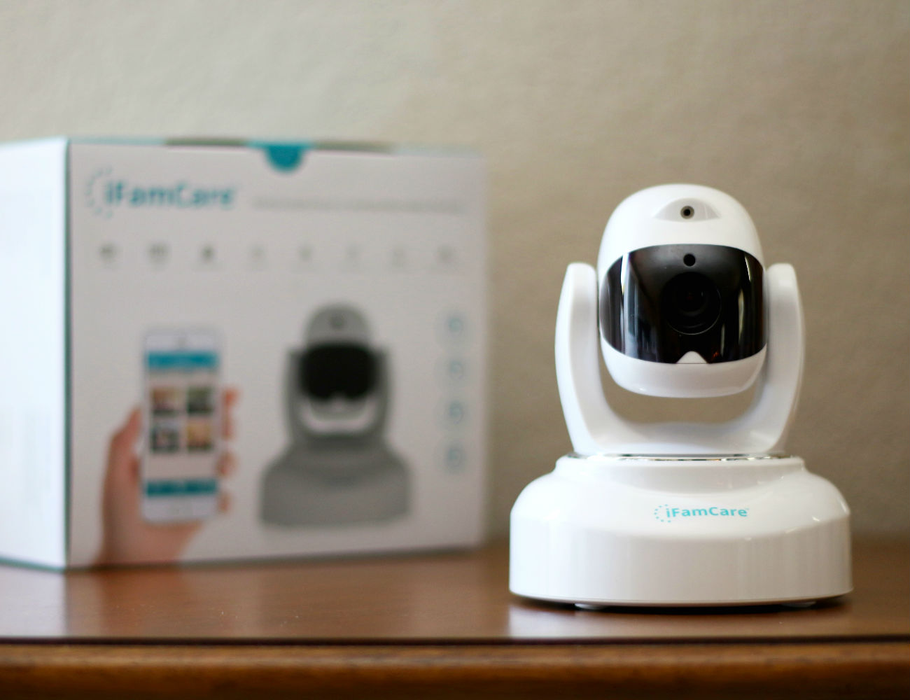 Helmet+%E2%80%93+The+Smart+Home+Video+Monitor+By+IFamCare