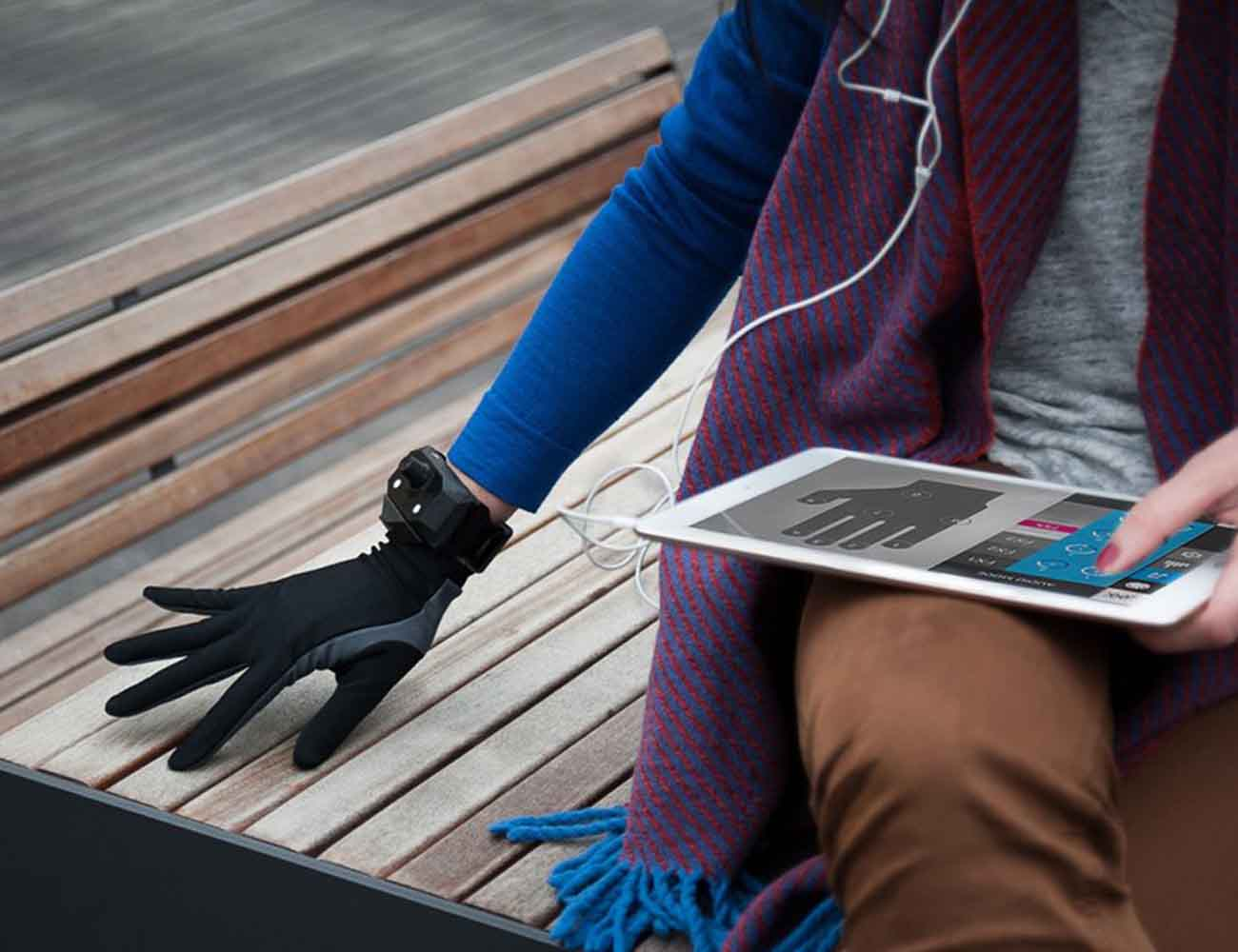 Remidi – The First Wearable Instrument to Record and Play