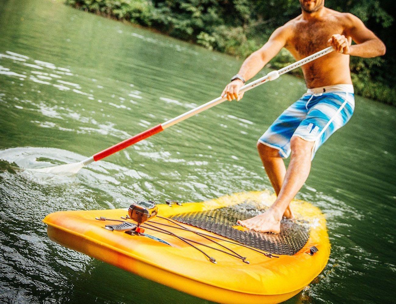 ricoh-wg-m1-waterproof-action-camera-05
