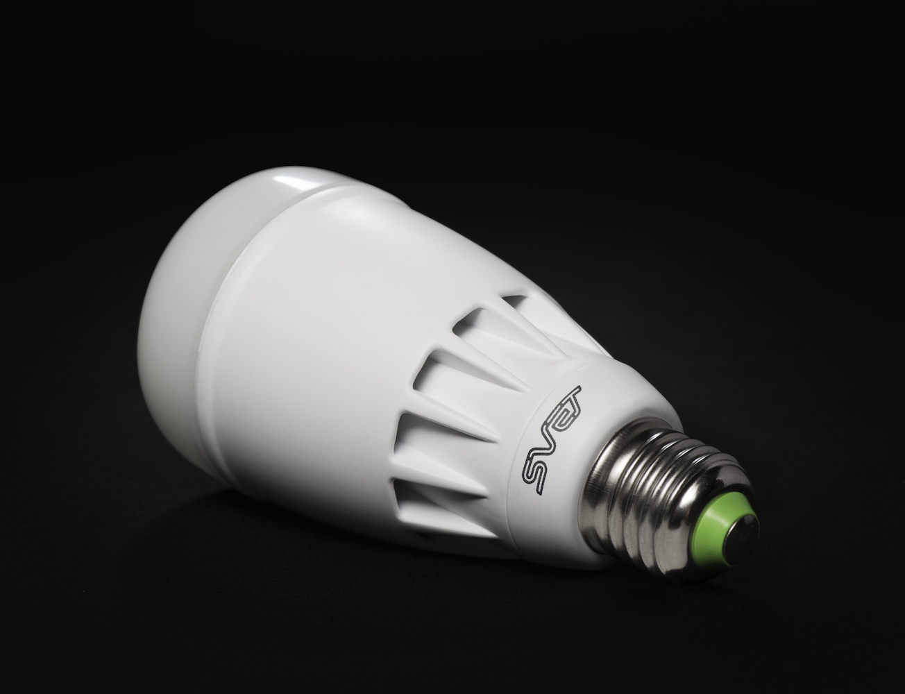 svet-the-health-friendly-light-bulb-02