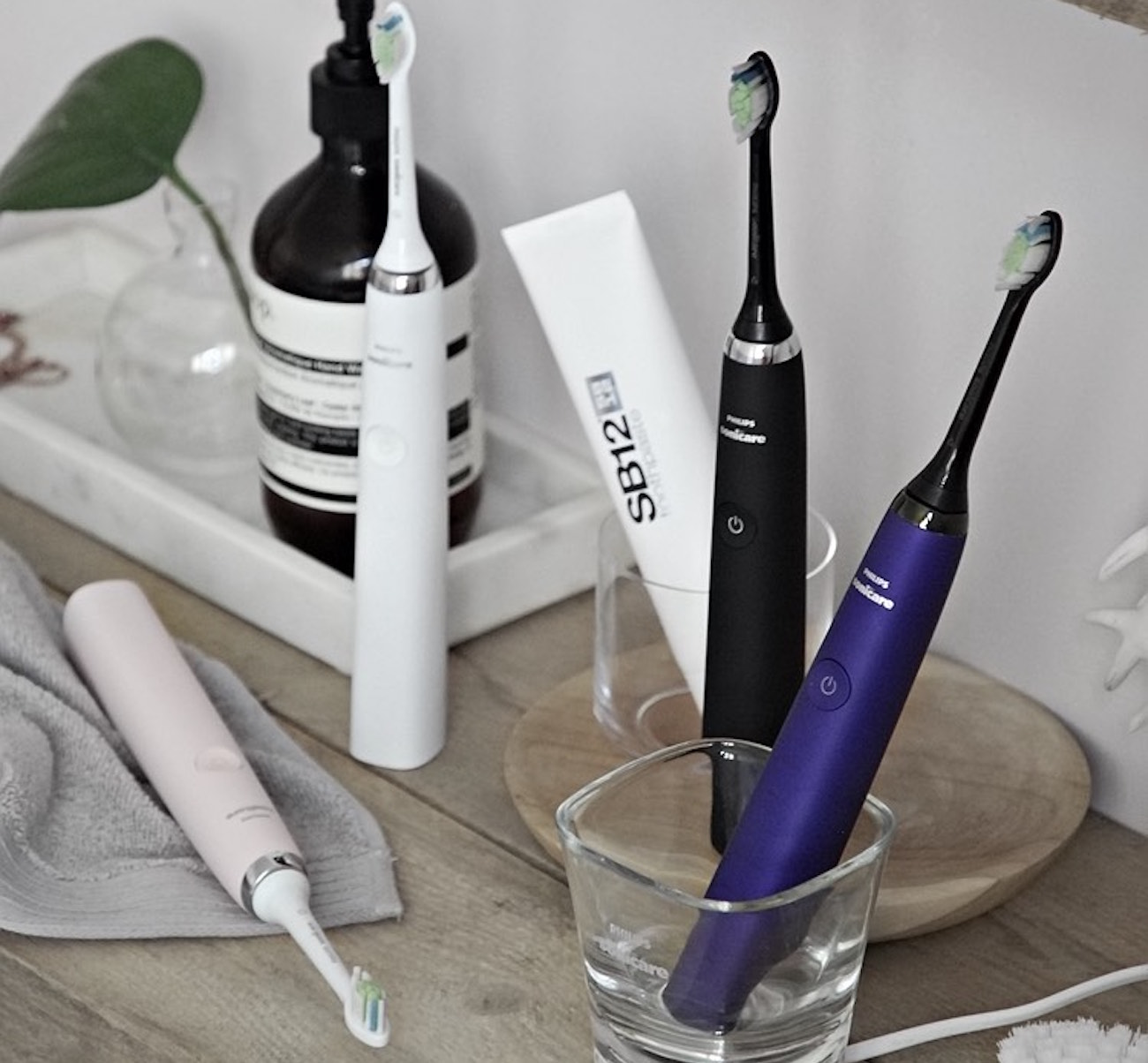 Sonicare DiamondClean Electric Toothbrush by Philips