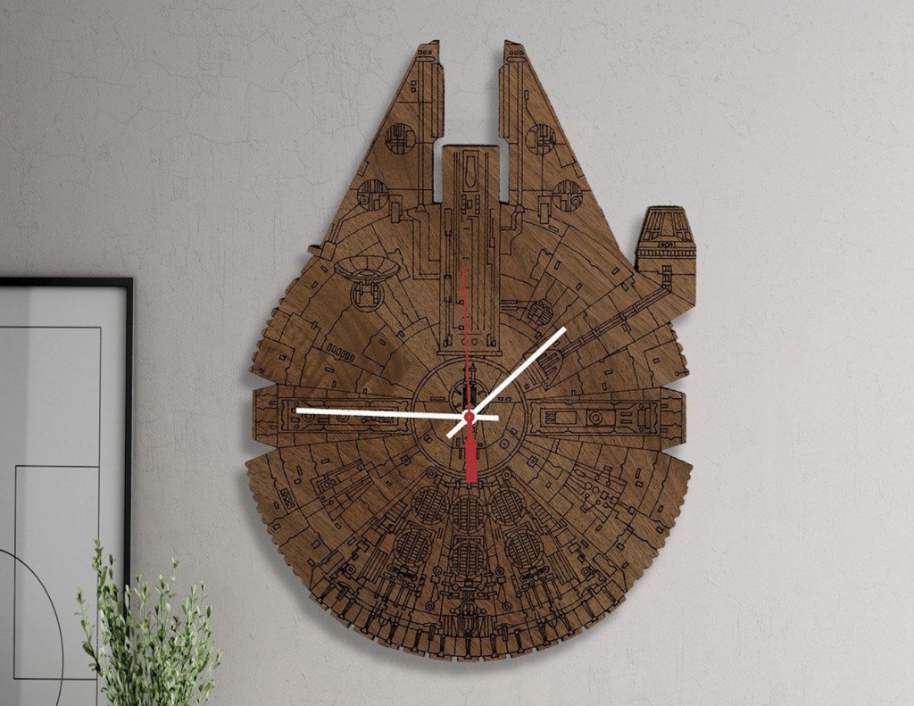 Star Wars Millennium Falcon Wood Wall Clock 01