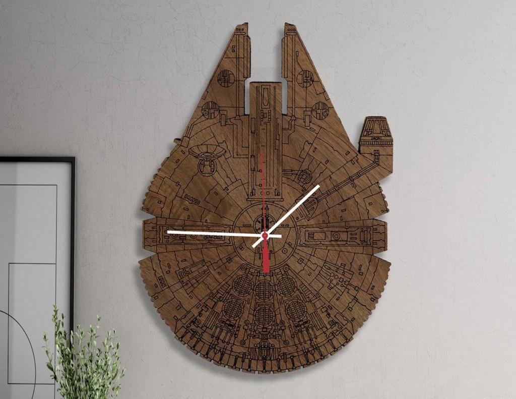 Star Wars Millennium Falcon Wood Wall Clock 01
