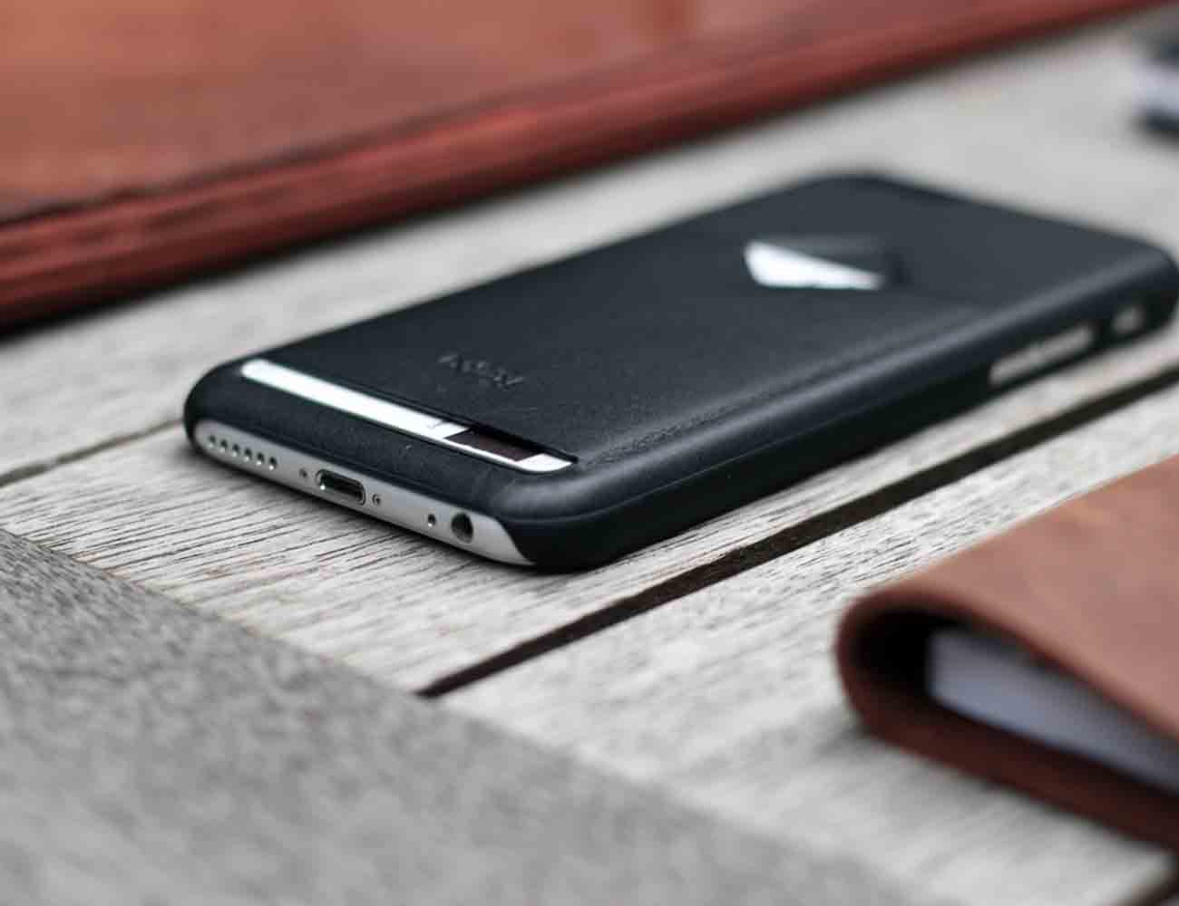 The 1 Card Phone Case by Bellroy
