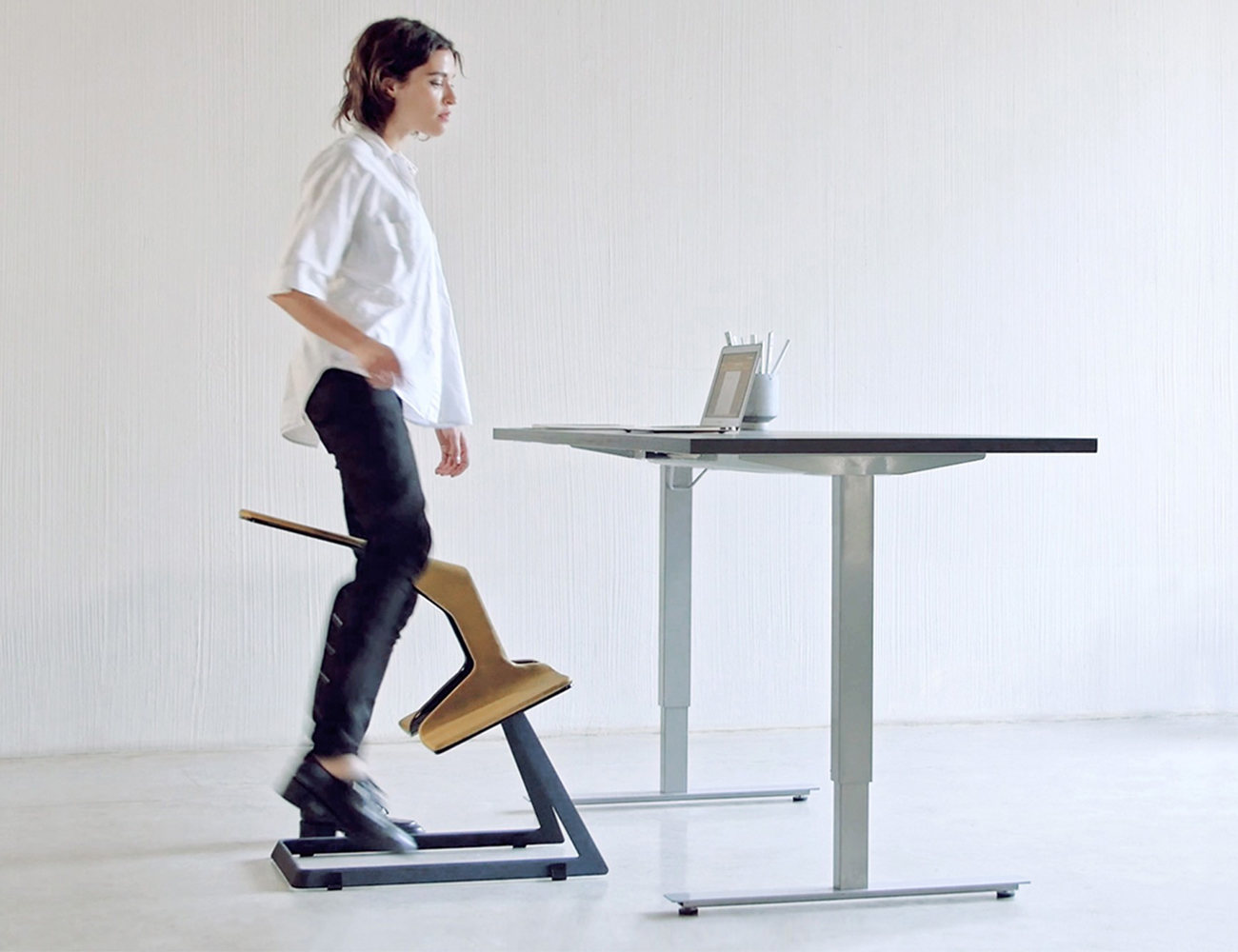 W Chair – the Truly Ergonomic Desk Chair