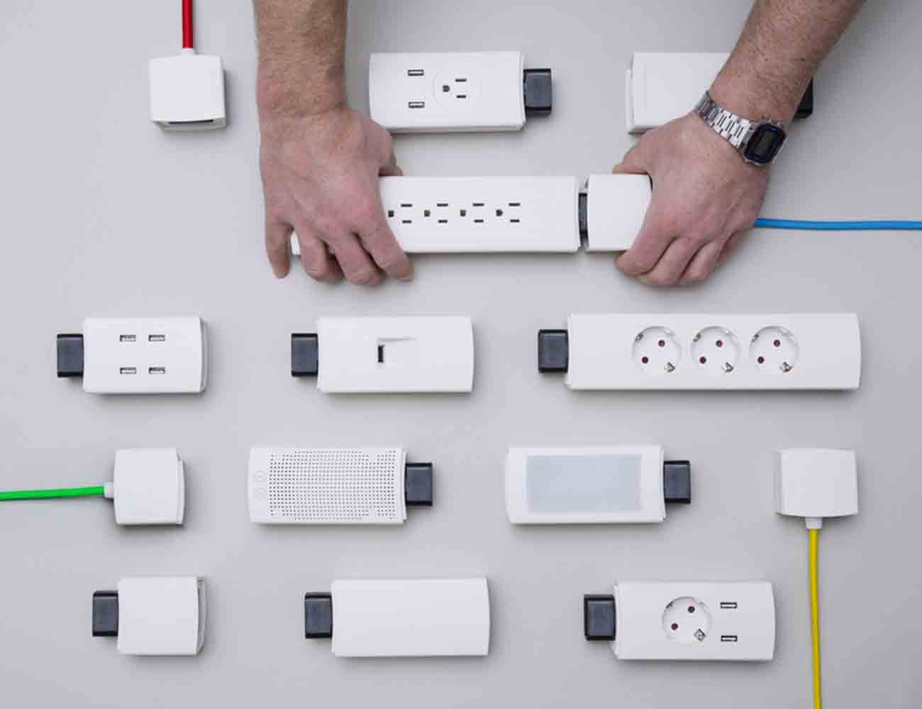 YOUMO – Your Smart Modular Power Strip