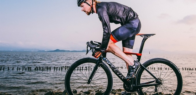 The SpeedX Leopard is the World's First Smart Aero Road Bike
