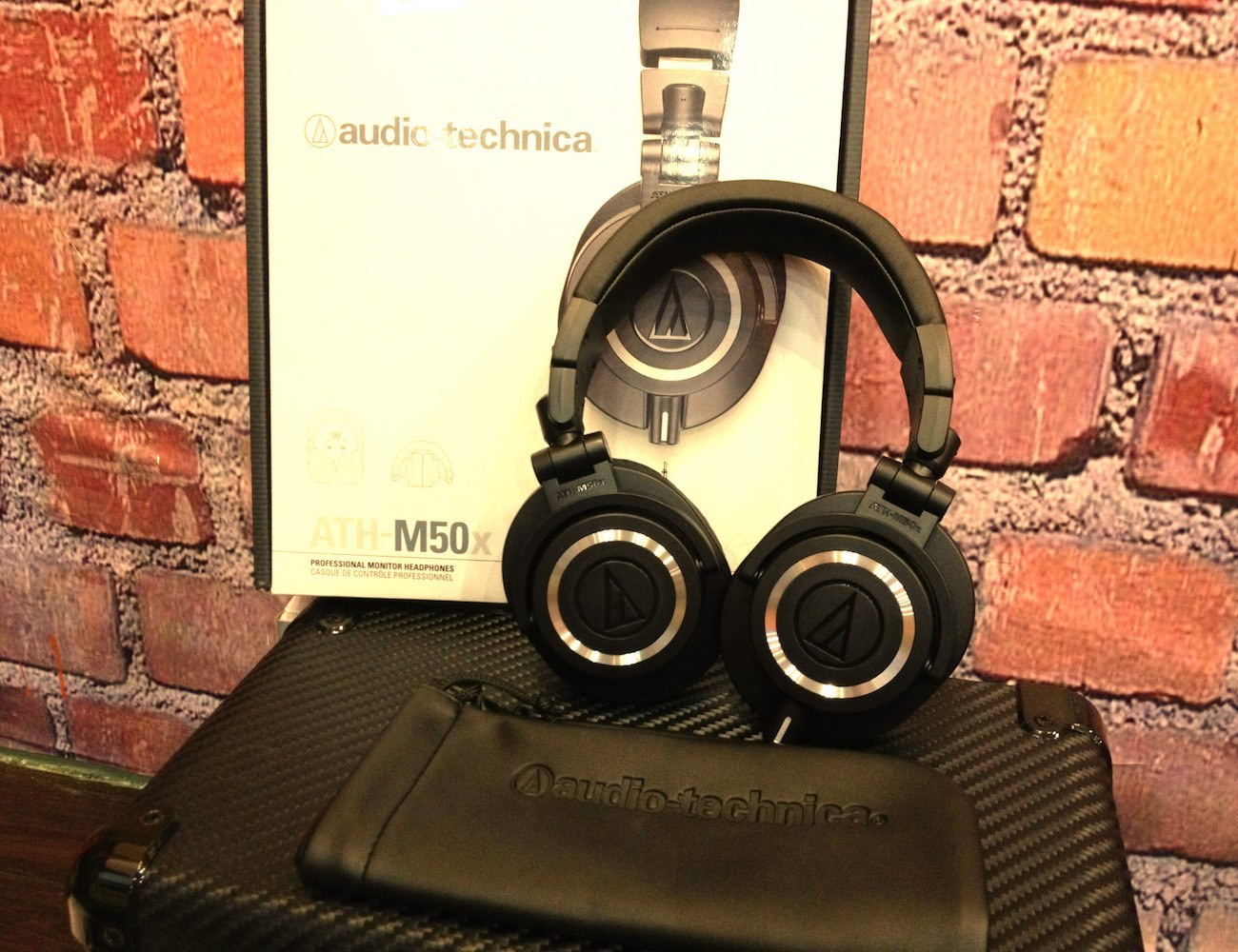 audio-technica-ath-m50x-studio-headphones-04