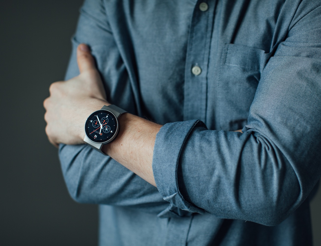 CoWatch – The Most Affordable High-End Smartwatch