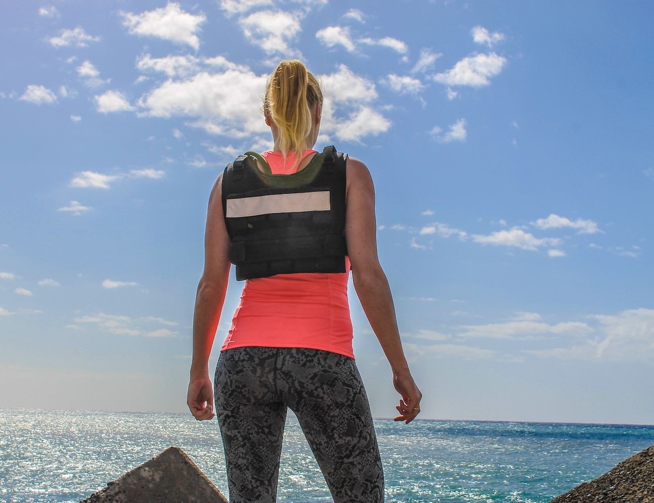 CrossXvest EVO – World's Most Advanced WeightVest with Built-in Hydrationsystem